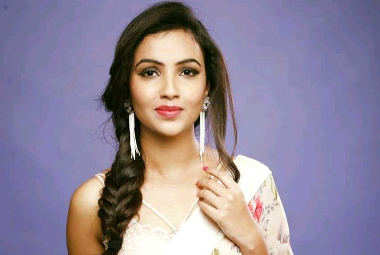 Aarohi Dike Biography, Wiki, Age, Height, Family, Photos & more